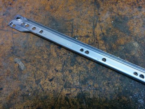 Drawer rail